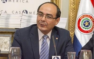 """Canciller pide acelerar negociación de Itaipú, y en modo diplomático """"explica"""" a Petta la importancia de la UE"""