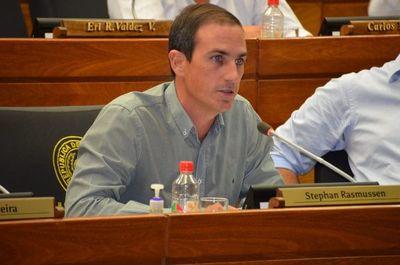 Rasmussen afirma que tendrían votos para modificaciones a proyecto de financiamiento político aprobado por Diputados