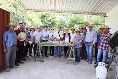 IPA se reúne con comunidades artesanas y gobernación de Ñeembucú para proyectos conjuntos