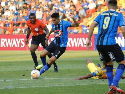 Agónico gol de penal permite ganar al Huachipato por los pelos