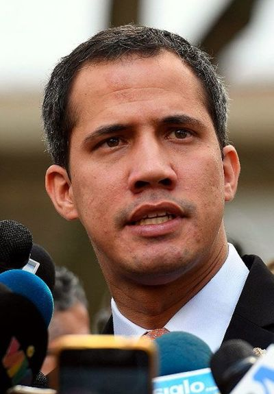 Guaidó intenta renovar lucha contra chavismo