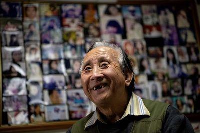 El celestino de Pekín lleva medio siglo uniendo corazones solitarios