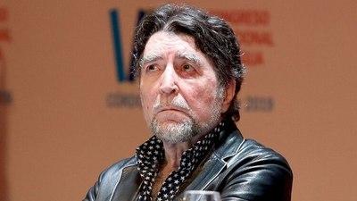 Operan a Joaquín Sabina por un derrame cerebral después de que sufriera una aparatosa caída en un concierto