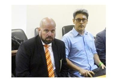 Álvaro Arias renunció a la defensa de Camilo Soares