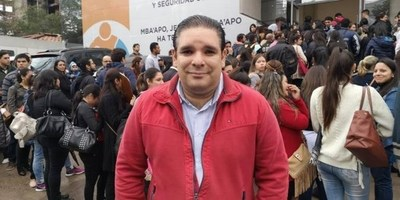 Tema Informconf: López Arce dice que contratar una persona que tenga deudas no significa que vaya a robar