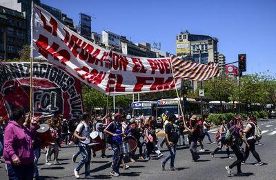 FMI reitera que no puede reestructurar lo que le adeuda Argentina