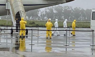 Brasileños repatriados de China dan negativo en coronavirus