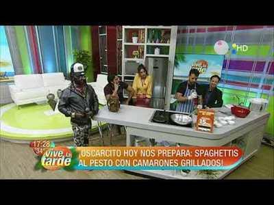 Spaghettis al pesto con camarones grillados