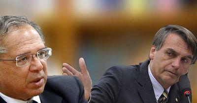 """""""Hasta las empleadas domésticas iban a Disney"""", dice ministro de Bolsonaro para justificar devaluación"""