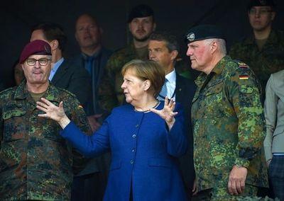Angela Merkel dijo que Alemania destinará el 2% de su PBI a defensa recién en 2030, seis años después de lo acordado