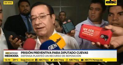 Cuevas dice que es inocente y que no se fugará