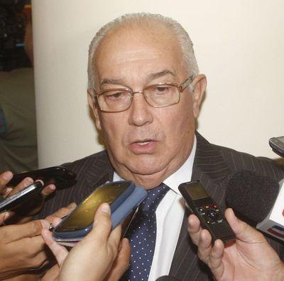 Una nueva suspensión de preliminar de Óscar Bajac