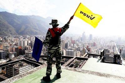"""Paramilitares chavistas  para """"frenar a Estados Unidos, Colombia y Brasil"""""""