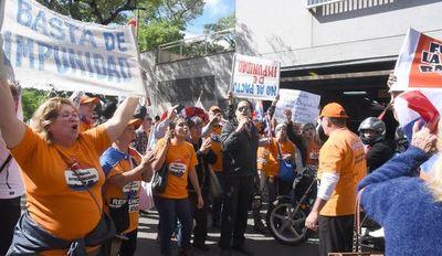 Convocan a manifestación por la aprobación de la ley del financiamiento político