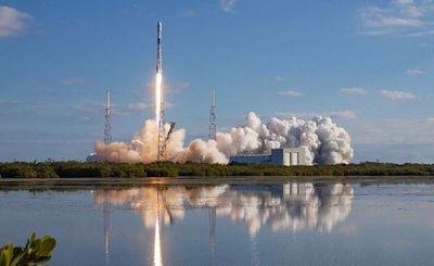 SpaceX retrasa quinto envío de 60 satélites para internet de alta velocidad