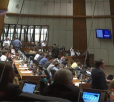 Diputados aprueban por unanimidad ley de financiamiento político