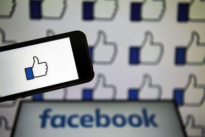 ¿Debe el mercado de los sitios de citas preocuparse por Facebook?