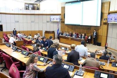 Diputados aprueban proyecto de ley que regula financiamiento político
