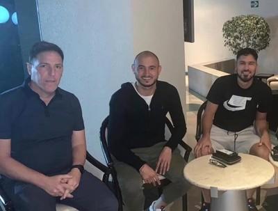 Berizzo se reúne con futbolistas paraguayos en México