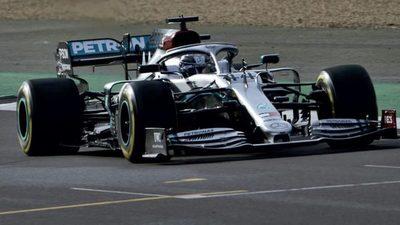 Hamilton aprueba el W11