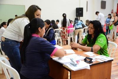 Muchos interesados en cursos que ofrecer la Escuela de Artes y Oficio