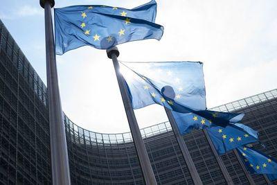 Frenazo de la economía de la UE lleva a bajo crecimiento