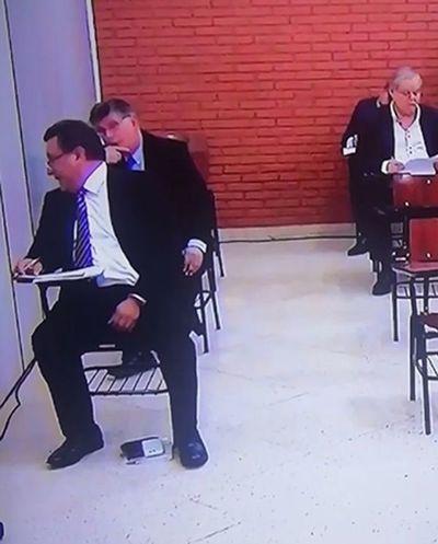 Copiatín en examen: Romero niega responsabilidad y culpa a Rodríguez Kennedy