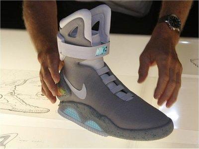 """Subastan calzado de """"Volver al futuro"""""""
