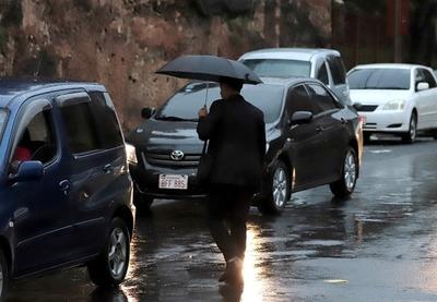 Meteorología anuncia un día muy caluroso con lluvias desde la tarde
