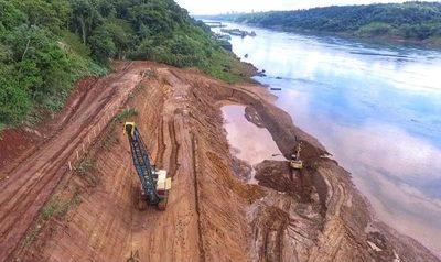 Sostenido avance de obras del Puente de la Integración, en Presidente Franco