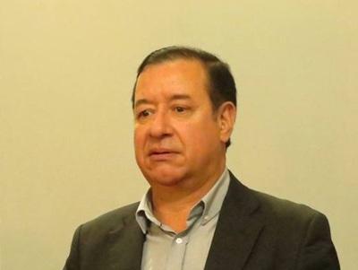 """""""No puede justificar cómo tiene tanto dinero"""", dice abogado denunciante contra Cuevas"""