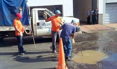 HOY / Baches tras reparación de  caños: Essap tira la pelota  a las municipalidades