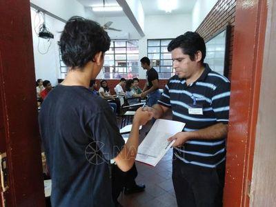 Cientos de postulantes buscan ingresar a Colegio Técnico Nacional