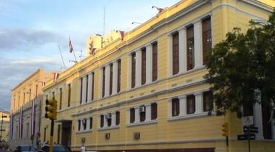 Miembro de FENAES denuncia que directivos no dejan que se inscriba para cursar el año lectivo por persecución