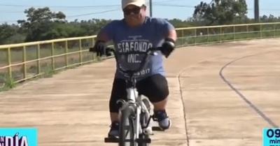 Mortero Bala subió a una bicicleta y esto sucedió