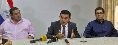 MEC: Desde Fenaes insisten en salida de Eduardo Petta y afirman que estudiantes son ninguneados