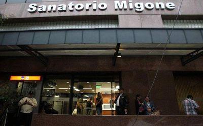 Familia de Renato presenta querella contra médicos y pide celeridad