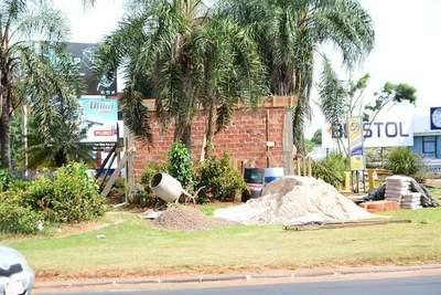 Comuna de CDE no pidió autorización al MOPC para construir mural