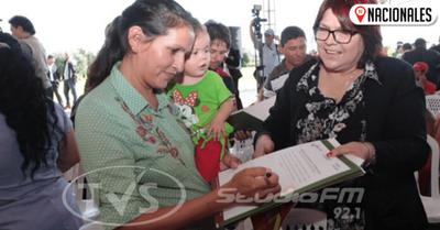 Gobierno anuncia entrega masiva de títulos de propiedad a familias rurales