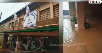 Ante inacción de autoridades, institución se inunda en cada temporal
