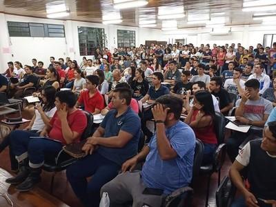 Gran demanda de interesados en cursos que brinda el SNPP