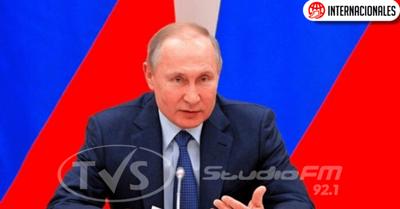 """""""En Rusia sólo habrá papá y mamá"""", Putin rechaza el matrimonio gay"""