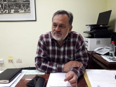 Petta debió considerase 'inoperante' para el cargo de ministro de Educación, dice senador
