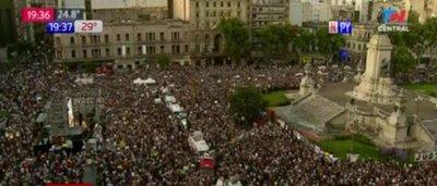 Multitudinaria marcha clama justicia para Fernando