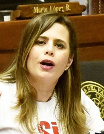 Legisladores corruptos deben ir presos, ratifica diputada