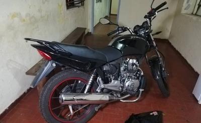 HOY / Le robaron la moto y con GPS la recuperó en pleno desarme