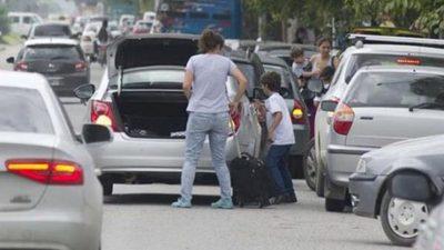 PMT multa a padres mal estacionados