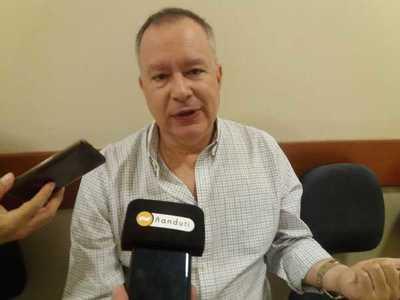 Silva Facetti denuncia a Alegre por sobrefacturación en compra de combustiles para móviles del PLRA