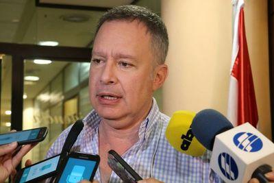 Acusan a Efraín Alegre de favorecer al movimiento de Buzarquis