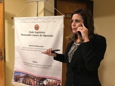 'La intención es recuperar Itaipú, hoy secuestrado por un Ejecutivo desatinado'- Kattya González